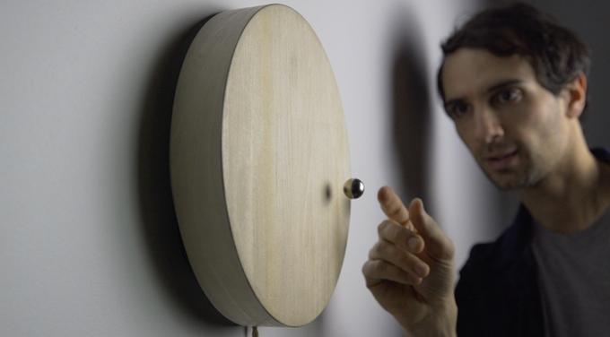 1-story-levitating-clock-timepiece-design-gadgets
