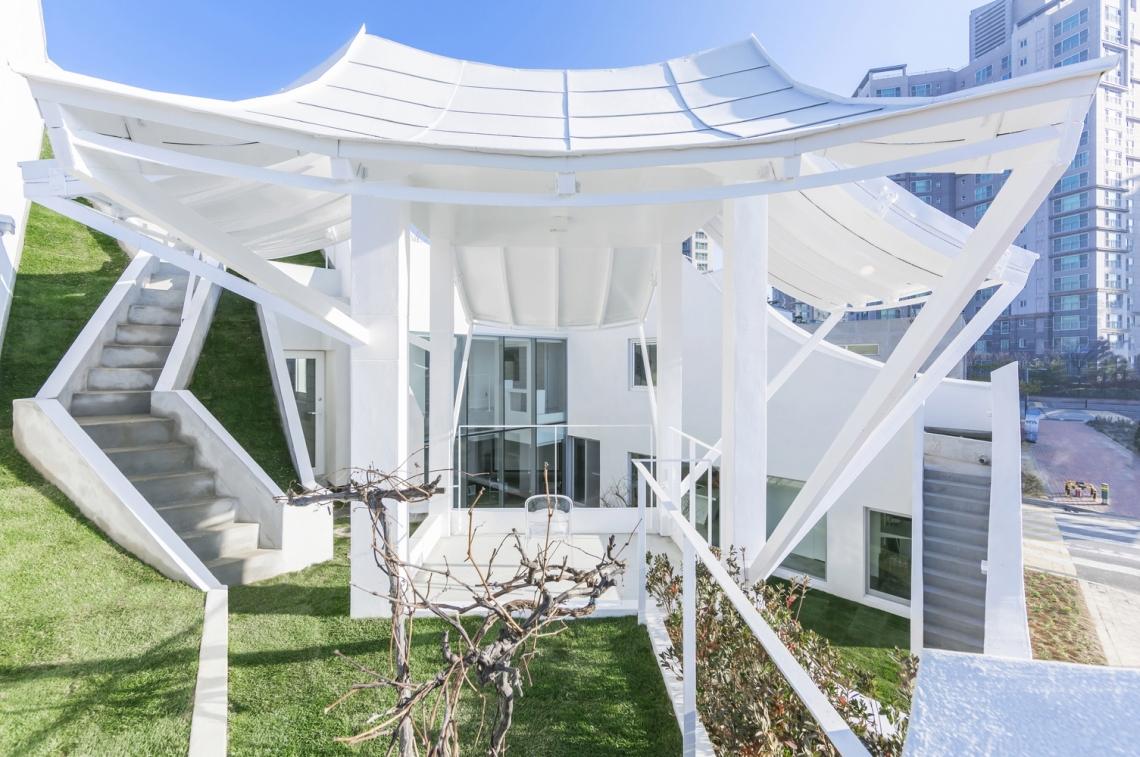 7-minimalist-flyinghouse-architecture